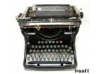 Stara pisaća mašina UNDERWOOD
