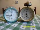 Stari mehanicki sat budilnik