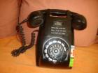 Stari zidni telefon