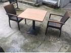Stolovi i stolice za bastu kafica
