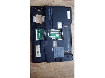 Toshiba L30 Ploca, kuler, procesor, donji deo kucista
