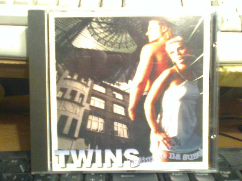 Twins (4) - Palim Se Na Suze!
