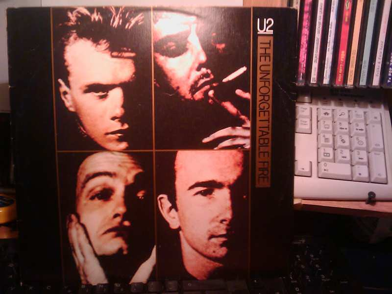 U2 - The Unforgettable Fire / A Sort Of Homecoming