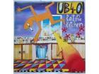 UB  40  -  RAT  IN  THE  KITCHEN
