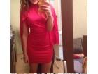 Vatreno crvena jedinstvena haljina