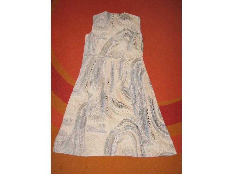 Veoma lepa lepršava haljina
