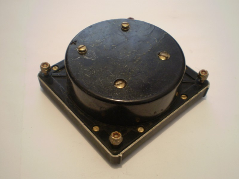 Vintage stari instrument za merenje kapacitivnosti