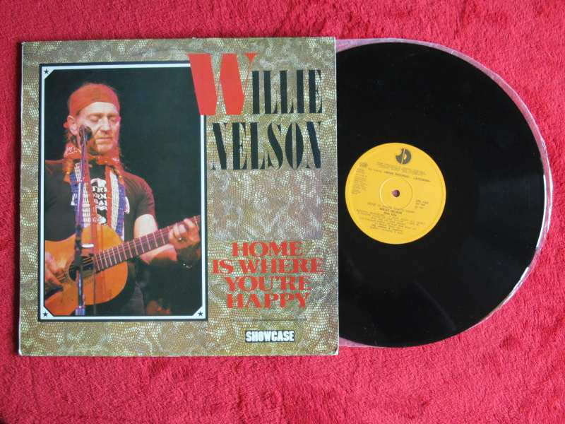 Willie Nelson - Home Is Where You`re Happy