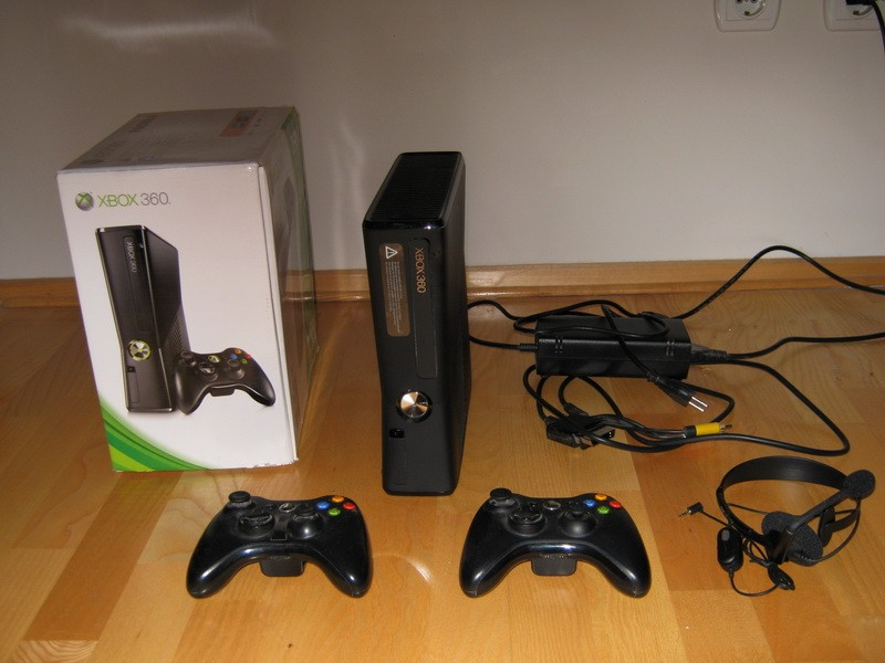 Xbox 360 stealth slim edition 250 gb LT 3.0 + 100 igara