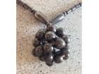 Zanimljiva ogrlica od hematita