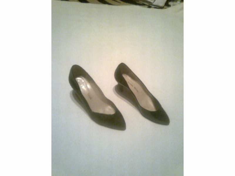 Ženska elegantna lakirana cipela