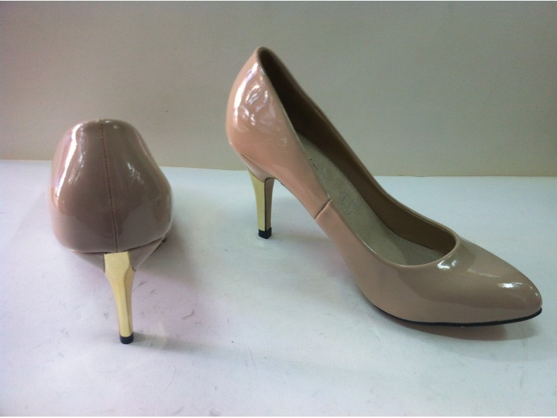 Zenske Cipele ***** NOVO ******.        542