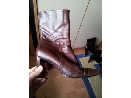 Zenske braon kozne cizme `Manfield`