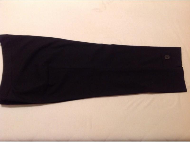Ženske pantalone- crne