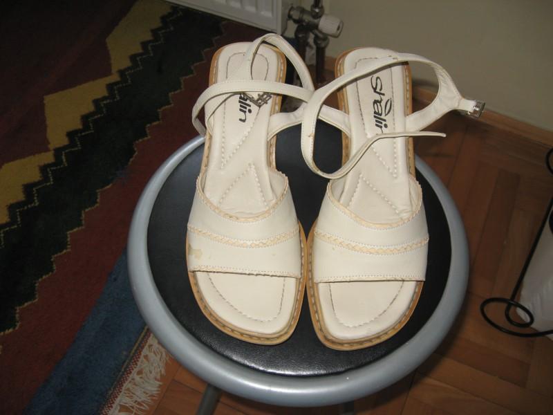 Zenske sandale br.40