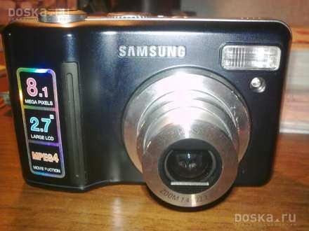a Digitalni fotoaparat Samsung S830 , 8,1 MP , 2,7 LCD