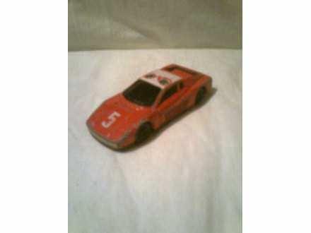 autić crveni Ferrari