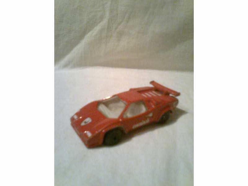 autić - crveni Lamborghini