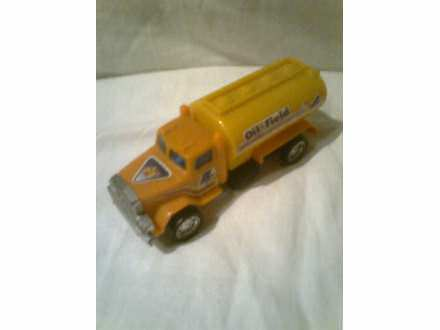 autić - kamion cisterna za naftu