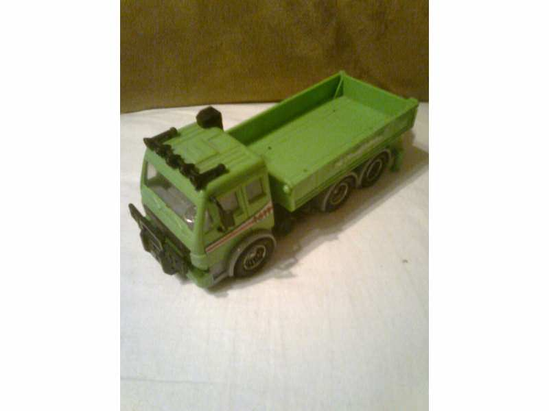 autić  - kamion zeleni