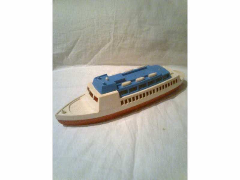 autić - luksuzna ladja