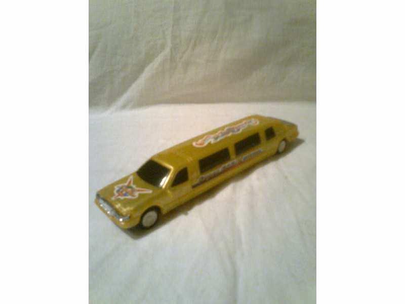 autić - luksuzni limuzin