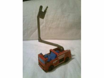 autić - vatrogasni kamion