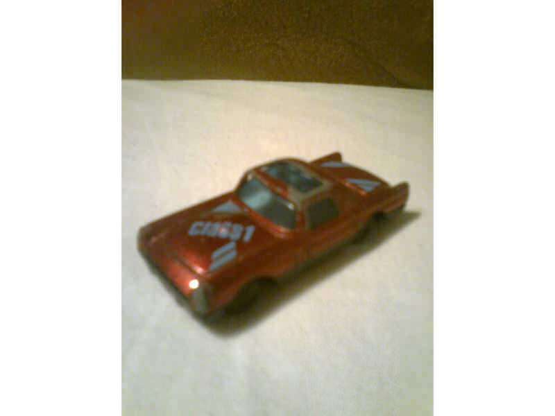 auto sa natpisom Class 1