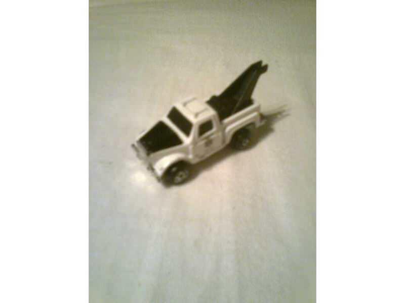 auto - šerifov teretni kamion za vuču