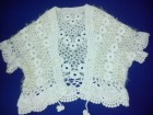 beli cipkasti prsluk od vunice- rucni rad