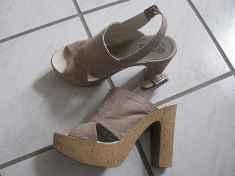 bež sandale sa platformom,NOVO,38