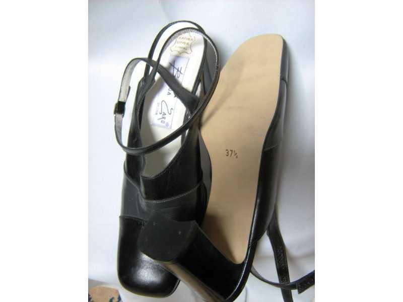 cipele KOZNE  - nove-BRENDA ZARO-37,5