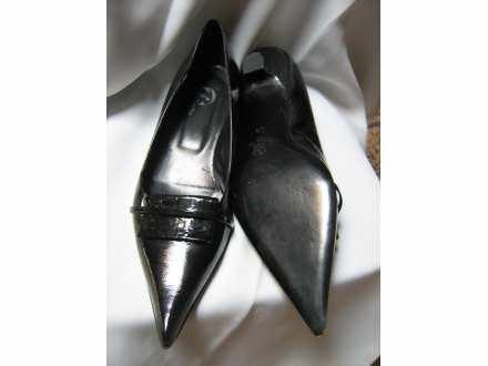 cipele -lak koza -BATA        -38-  nove