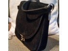 crna torba od debele izvrnute koze