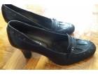 crne cipele na štiklu br. 39