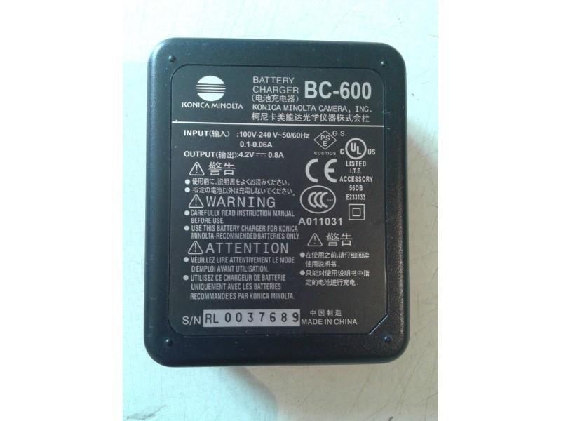 konica minolta punjac baterija bc-600 ispravan ko sa sl