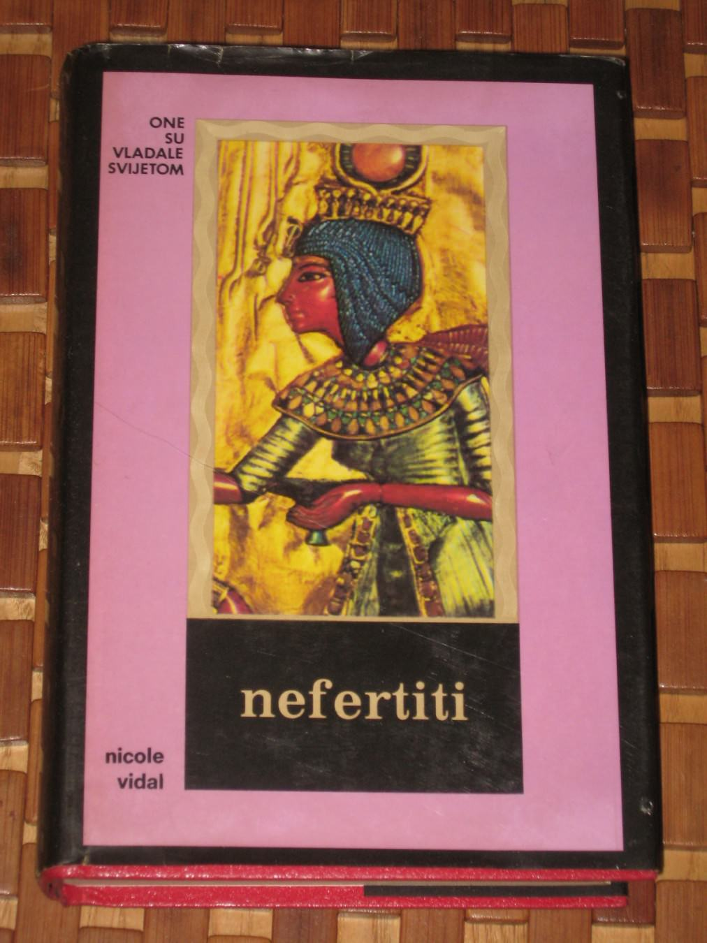 nefertiti-nicole-vidal_slika_O_1752166.j