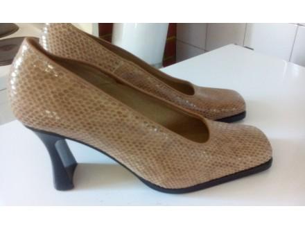 nove cipele za zmijskim printom