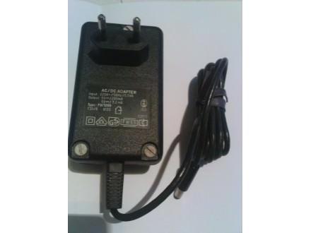 palm adapter ac/dc 5-2a  ,nekoristen,ispravan