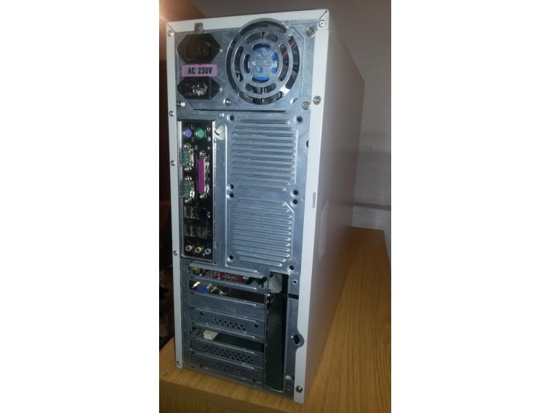 racunar kompletan Athlon 2200+ kuciste