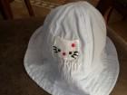 šeširić sa Hello Kitty