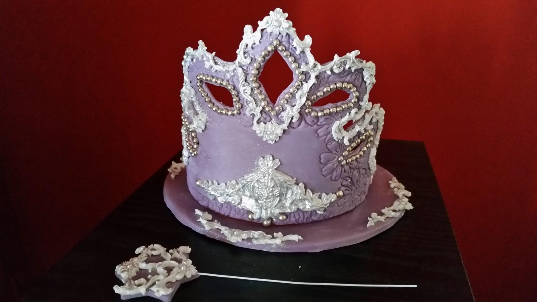 Krune , tiare... - Page 6 Ukrasi-za-torte-kruna_slika_O_49580789