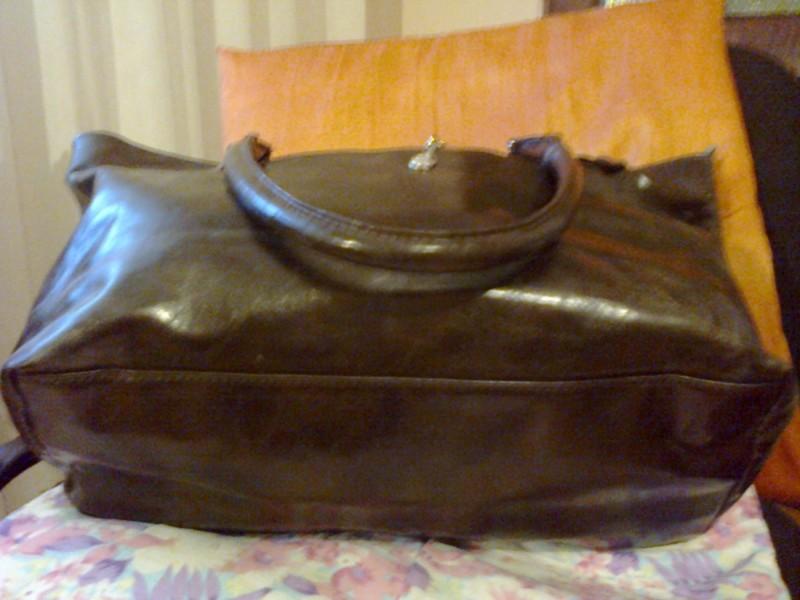 velika braon torba sa dva dzepa