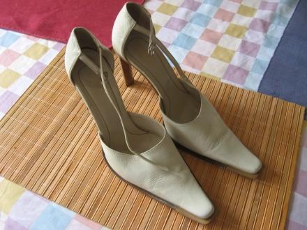 zenske cipele br.39