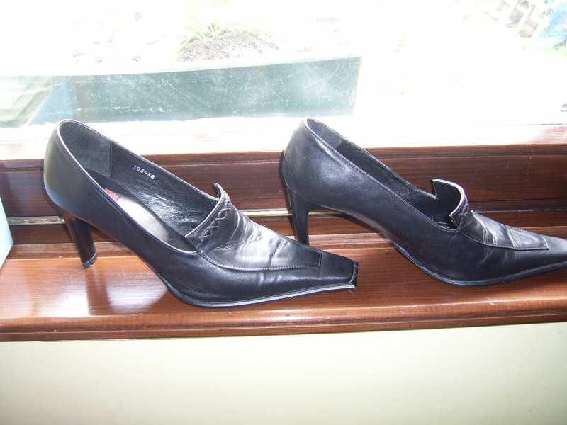 zenske cipele  kao nove